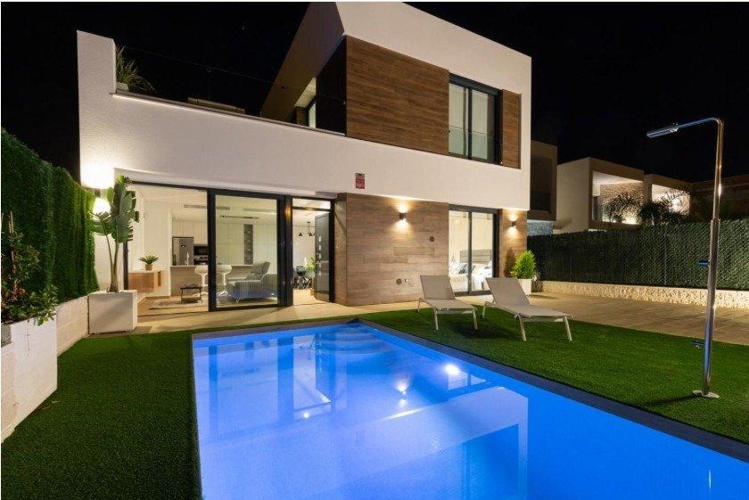 Villa privada andando a playa! ubicado en el campello a 600 m de la playa de l´amerador. - imagenInmueble6