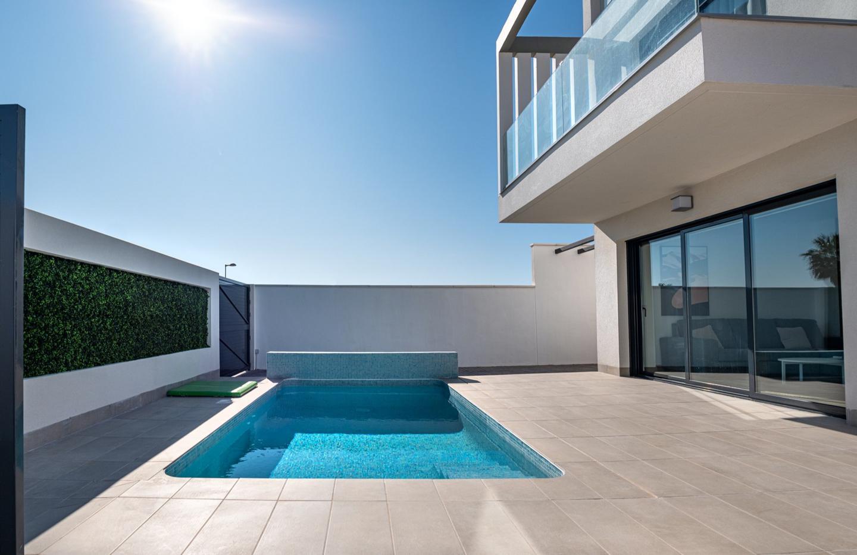Complejo de lujo de 24 nuevas villas adosadas con piscina privada y plaza de aparcamiento - imagenInmueble2