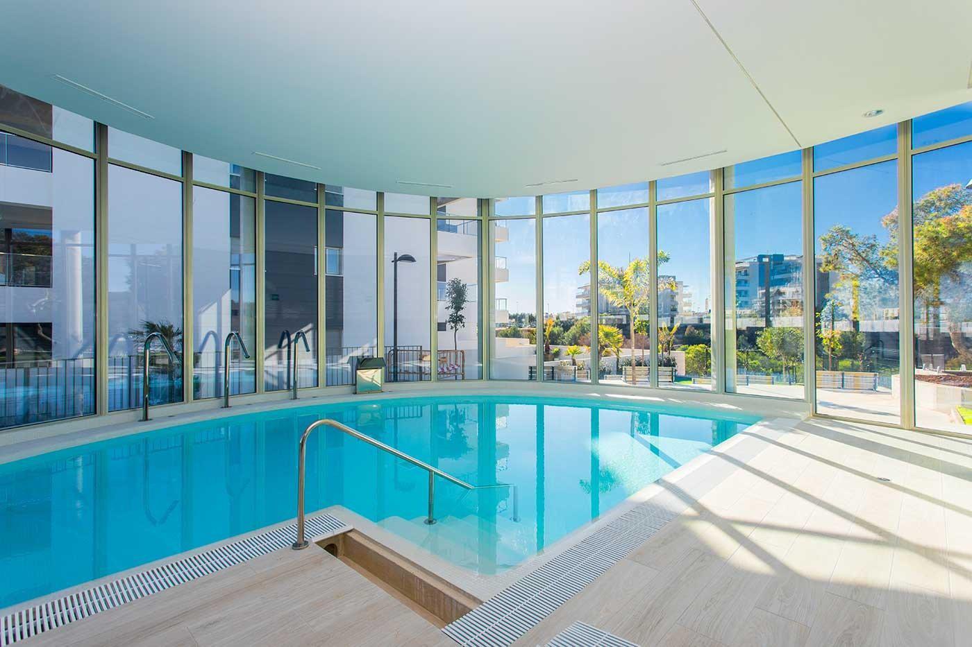 Complejo de estilo moderno con apartamentos de 2,3 dormitorios y 2 baños con amplias terra - imagenInmueble0