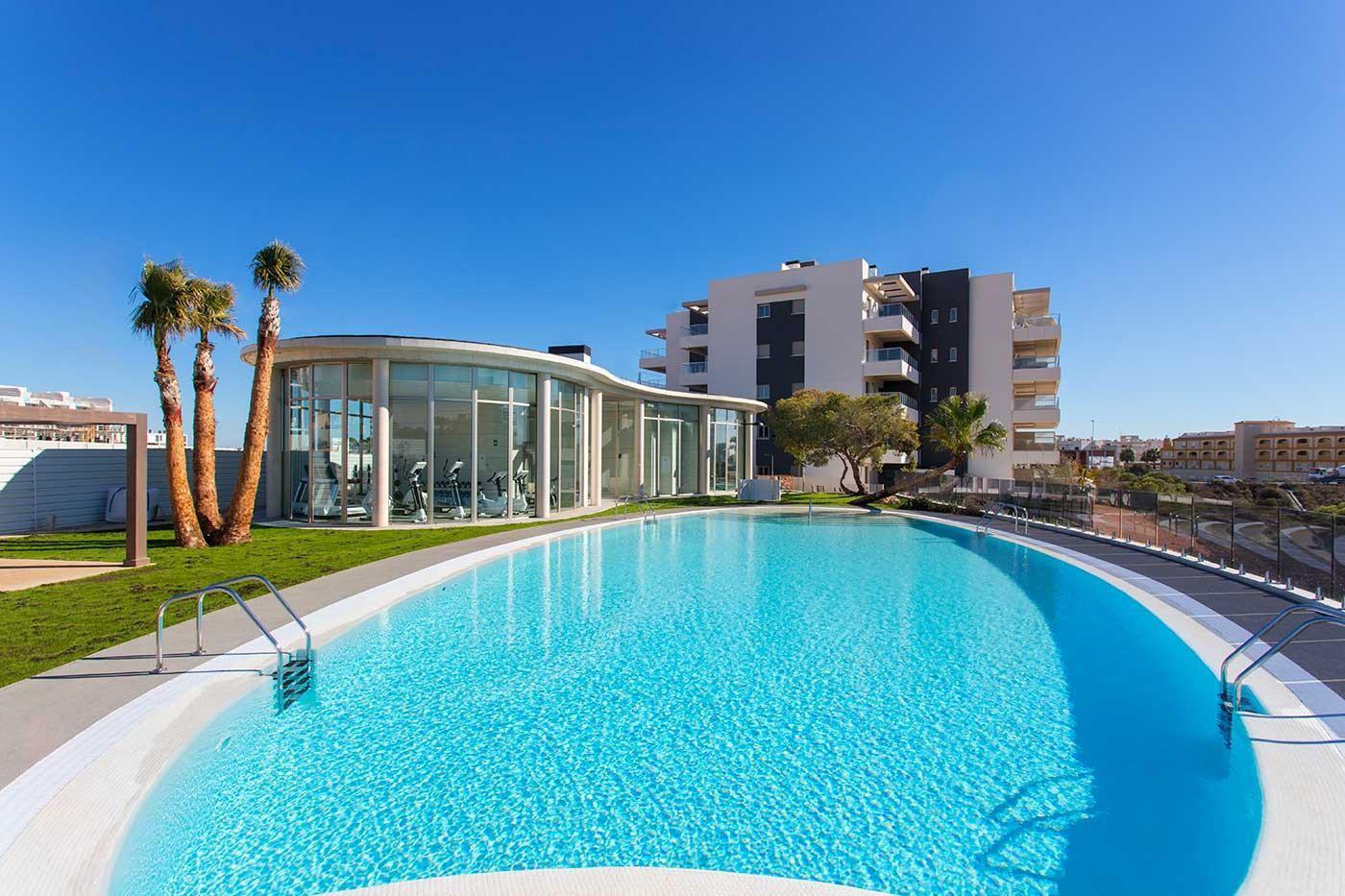 Complejo de estilo moderno con apartamentos de 2,3 dormitorios y 2 baños con amplias terra - imagenInmueble14