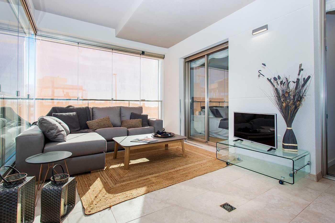 Complejo de estilo moderno con apartamentos de 2,3 dormitorios y 2 baños con amplias terra - imagenInmueble22