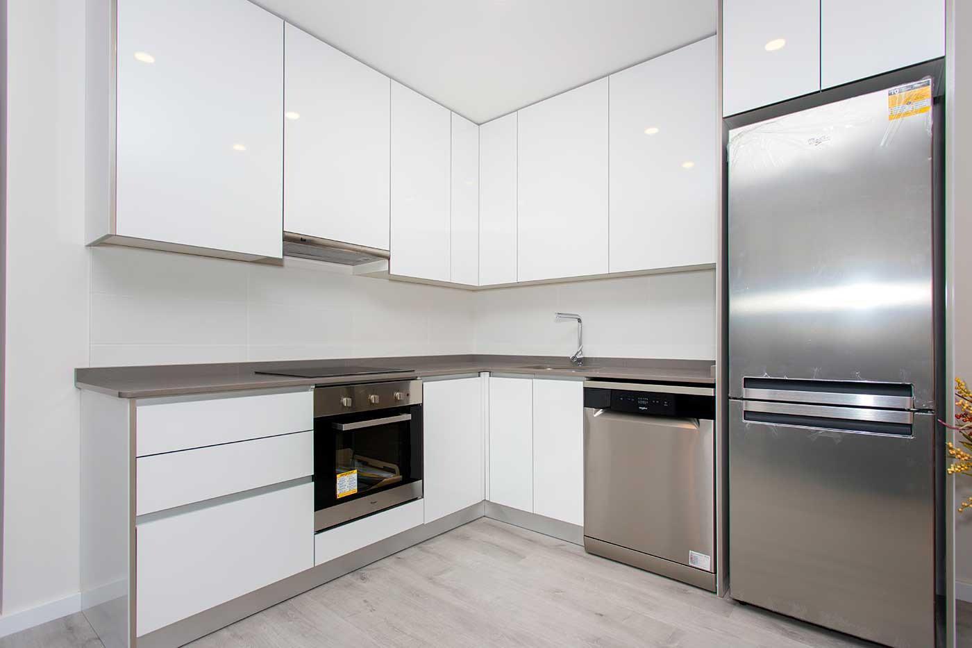 Complejo de estilo moderno con apartamentos de 2,3 dormitorios y 2 baños con amplias terra - imagenInmueble28