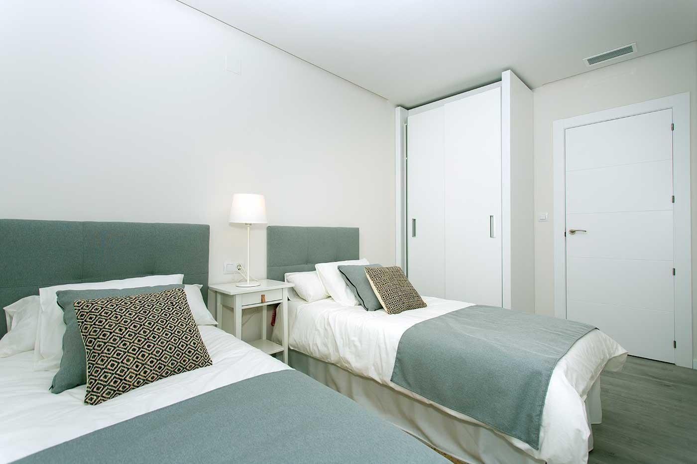Complejo de estilo moderno con apartamentos de 2,3 dormitorios y 2 baños con amplias terra - imagenInmueble4
