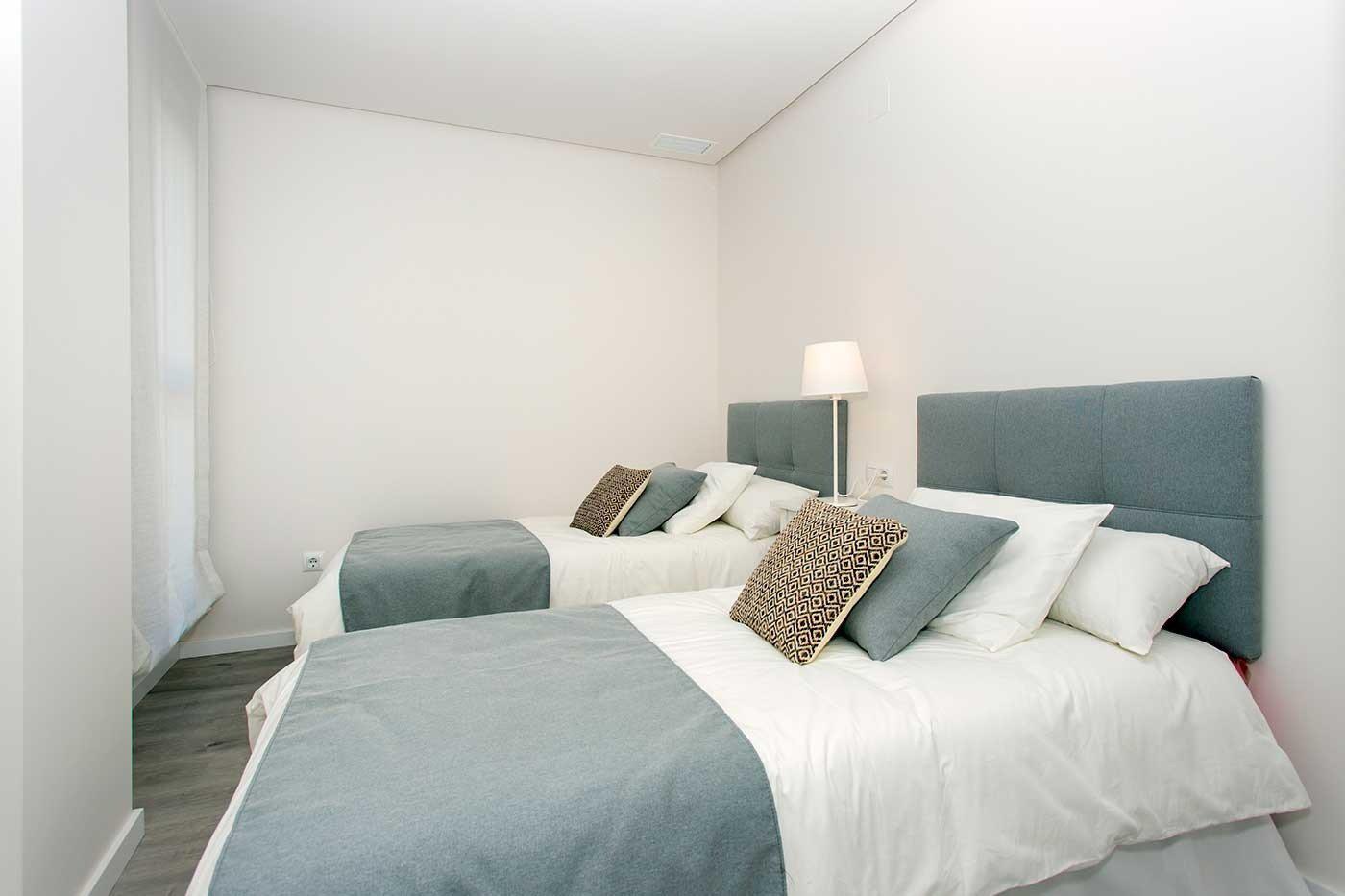 Complejo de estilo moderno con apartamentos de 2,3 dormitorios y 2 baños con amplias terra - imagenInmueble5