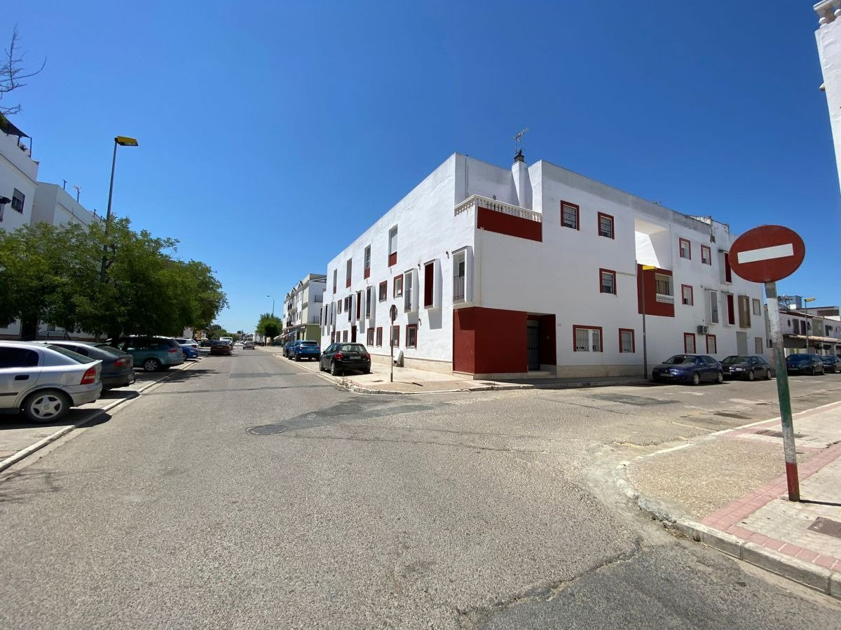 piso en los-palacios-y-villafranca · barriada-el-martillo 85000€