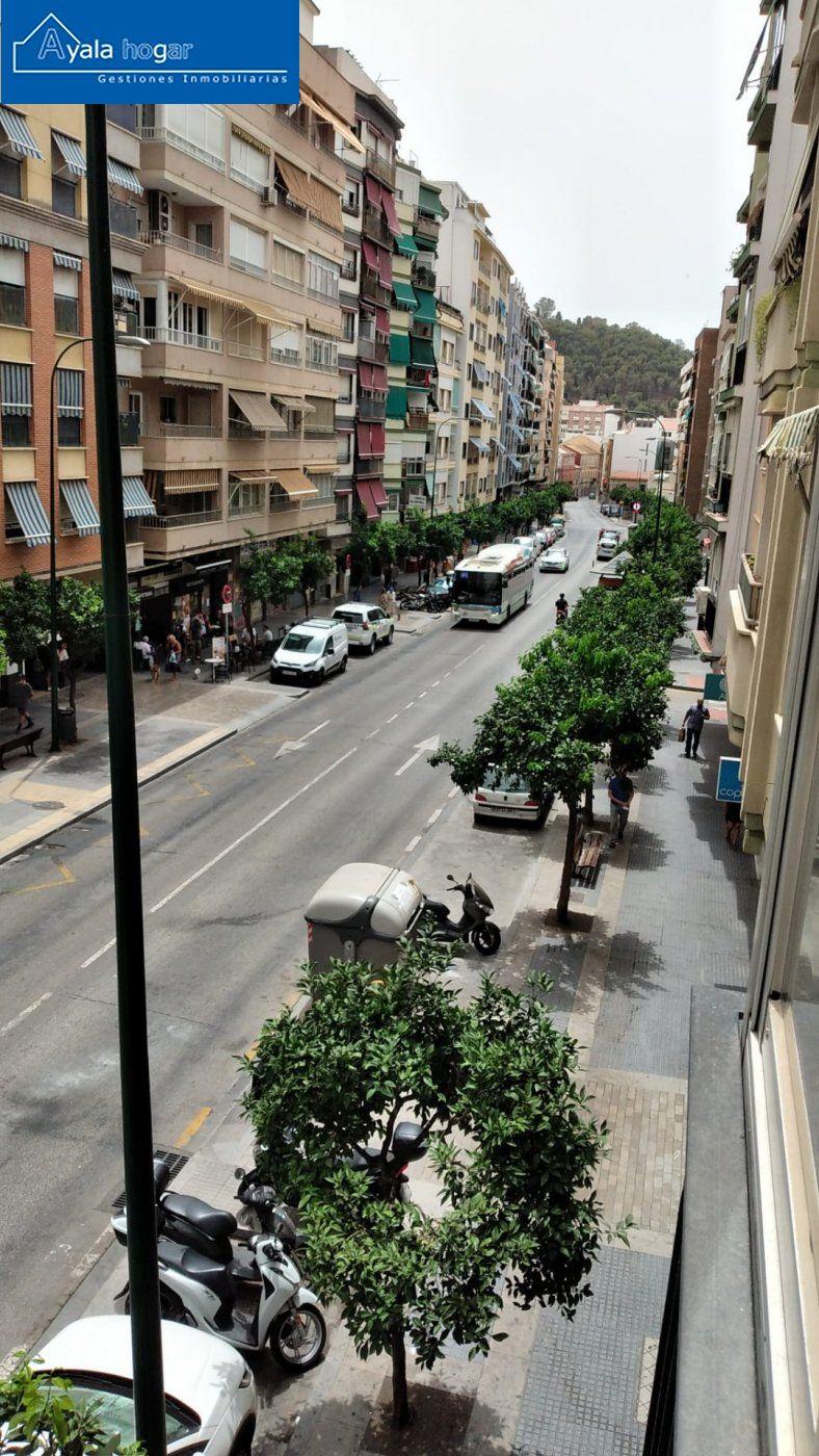 Piso en venta en Capuchinos, Malaga