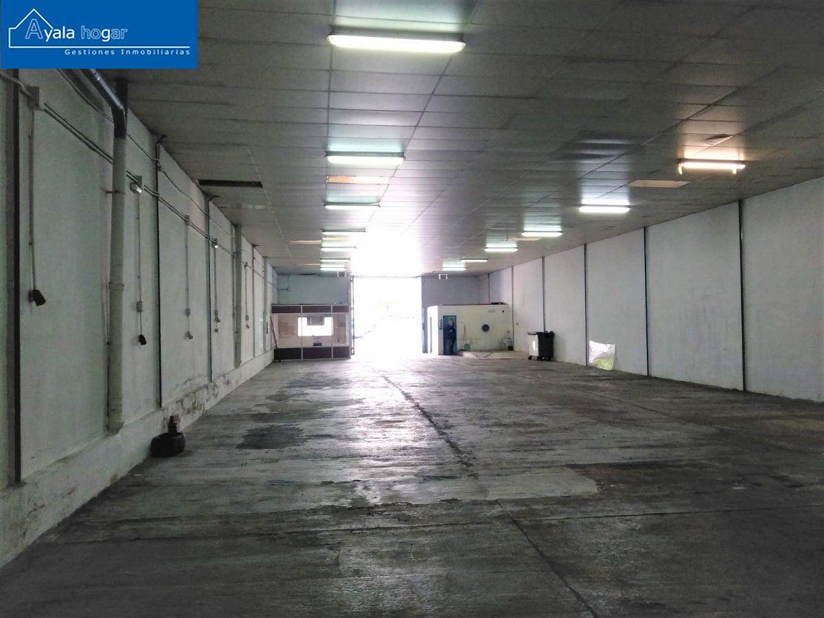 barraca industrial venta m laga de metros cuadrados 459 en la zona de poligonos recinto ferial ref 03374