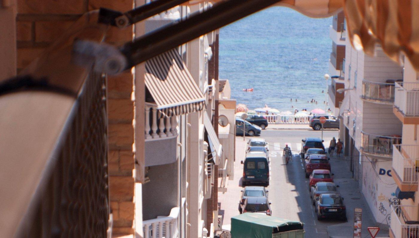 Estupenda vivienda en 2º línea de la playa de los Locos con vistas al mar