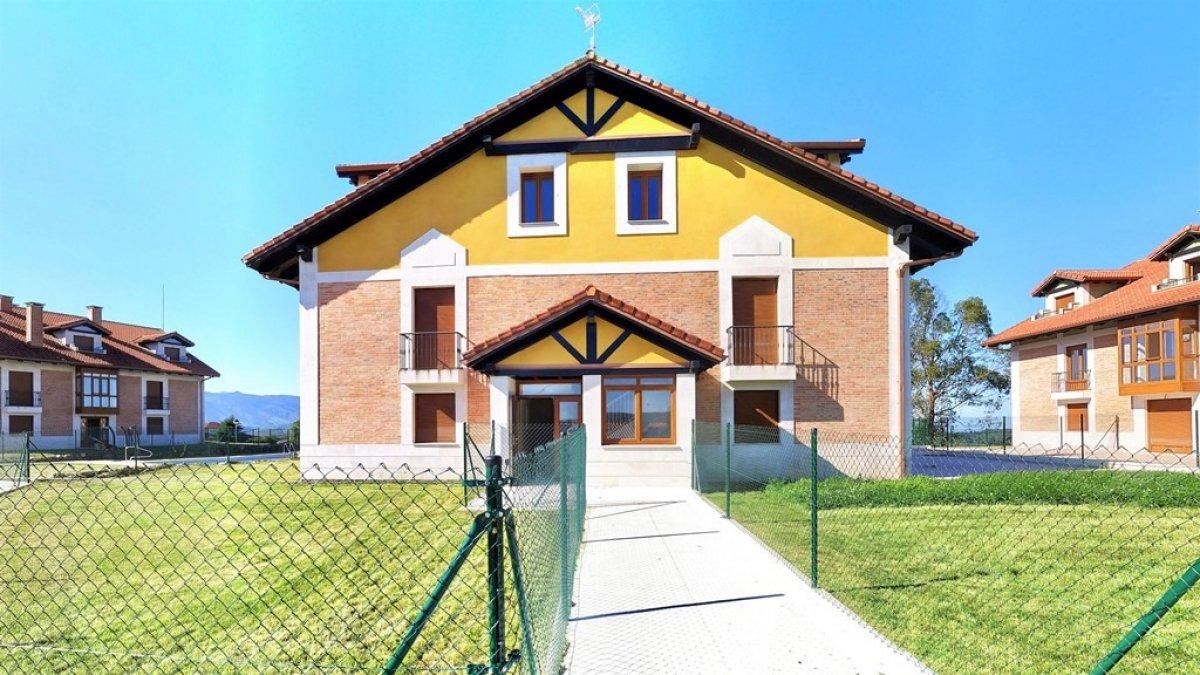 Piso en venta en Udias  de 2 Habitaciones, 1 Baño y 55 m2 por 84.650 €.