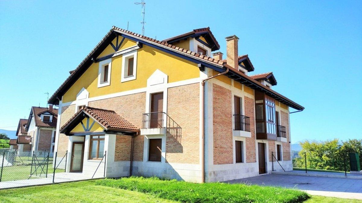 Piso en venta en Udias  de 2 Habitaciones, 1 Baño y 61 m2 por 88.650 €.