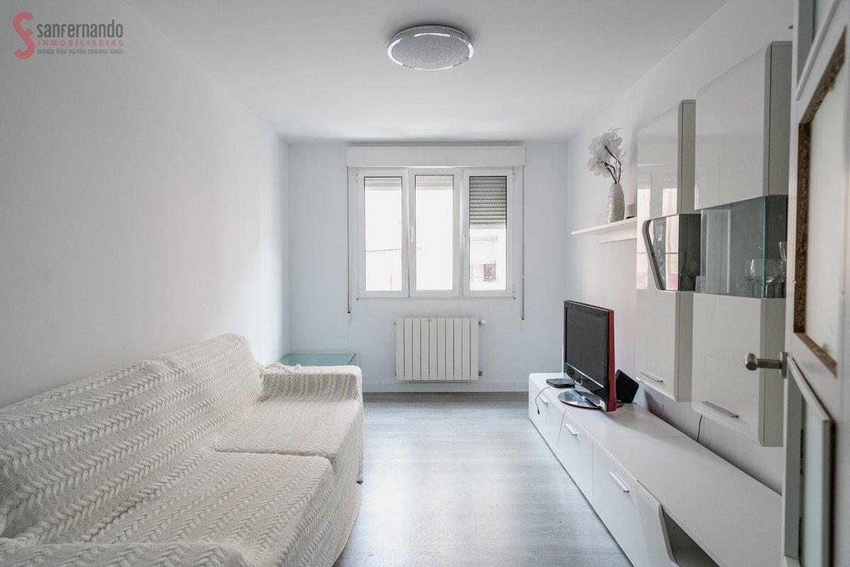 Piso en venta en Santander  de 3 Habitaciones, 1 Baño y 88 m2 por 137.000 €.