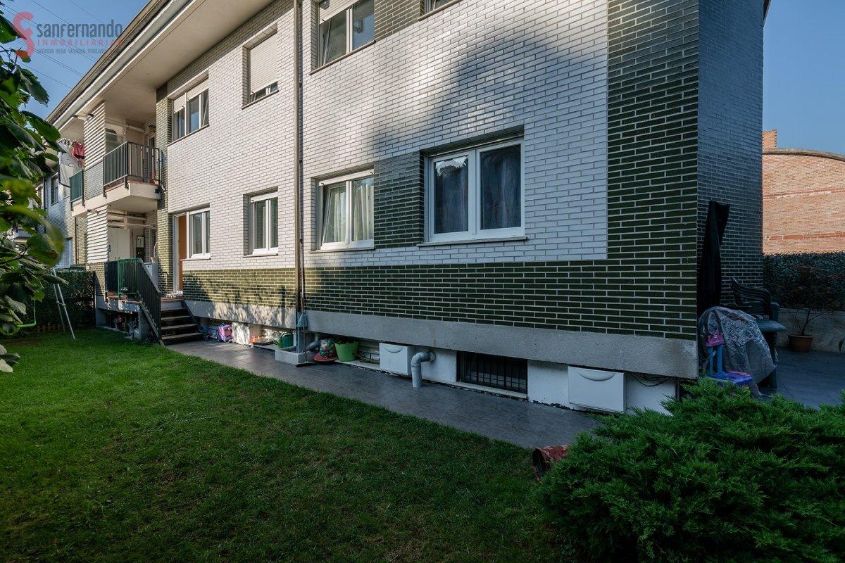Planta baja en venta en Pielagos  de 3 Habitaciones, 2 Baños y 89 m2 por 139.000 €.