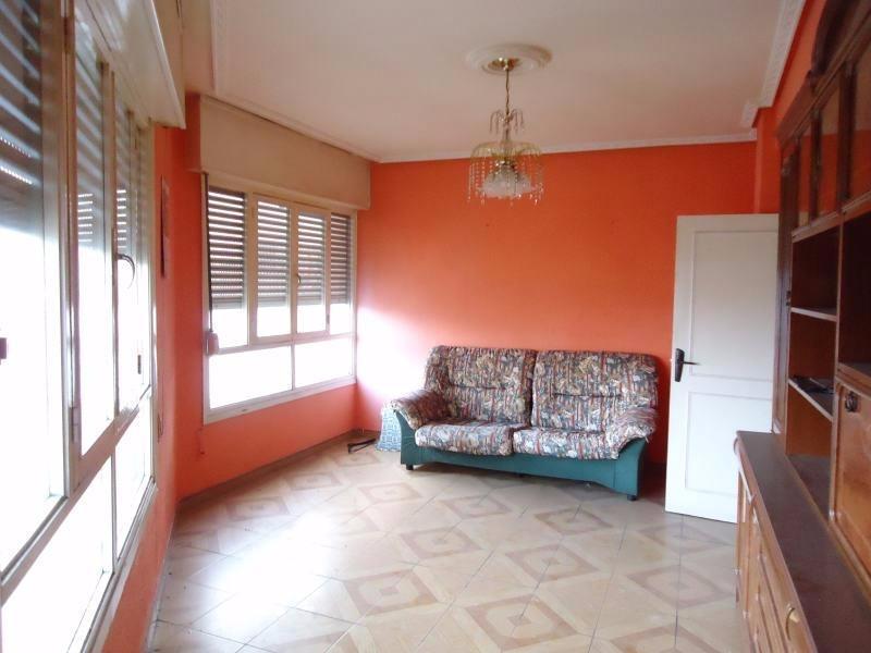 Piso en venta en MaliaÑO  de 3 Habitaciones, 1 Baño y 106 m2 por 122.700 €.