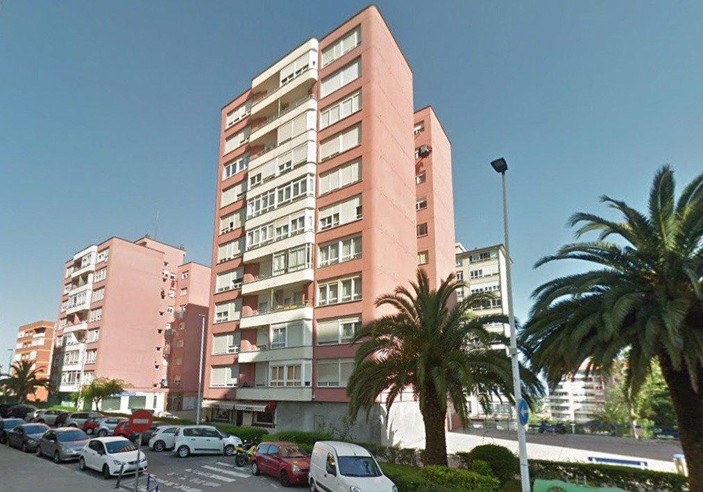 Piso en venta en Santander  de 3 Habitaciones, 1 Baño y 85 m2 por 132.685 €.