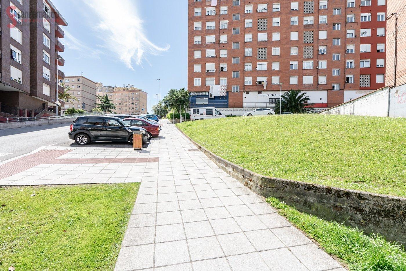 Local comercial en Santander – 84477