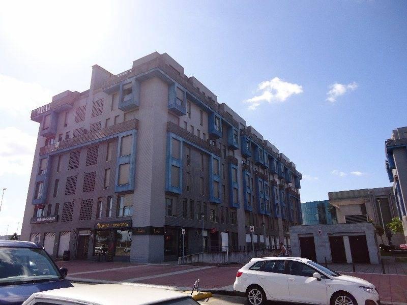 Piso en venta en Santander  de 3 Habitaciones, 2 Baños y 117 m2 por 183.700 €.