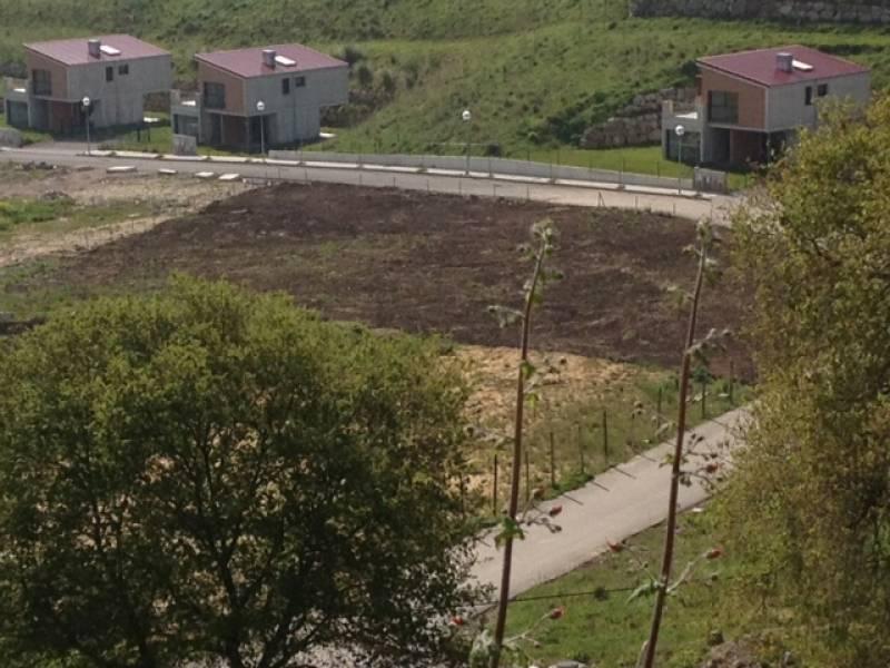 Terreno Urbano en venta en Oruña  de 1.692 m2 por 85.000 €.