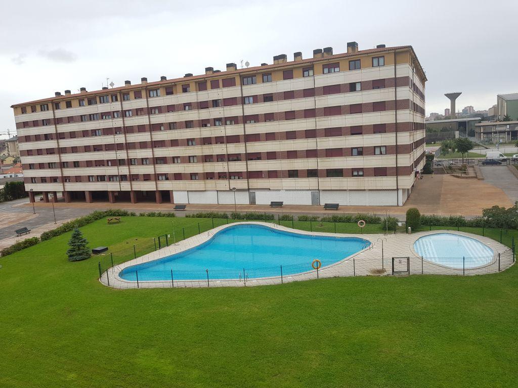 Piso en venta en Santander  de 3 Habitaciones, 2 Baños y 95 m2 por 144.000 €.