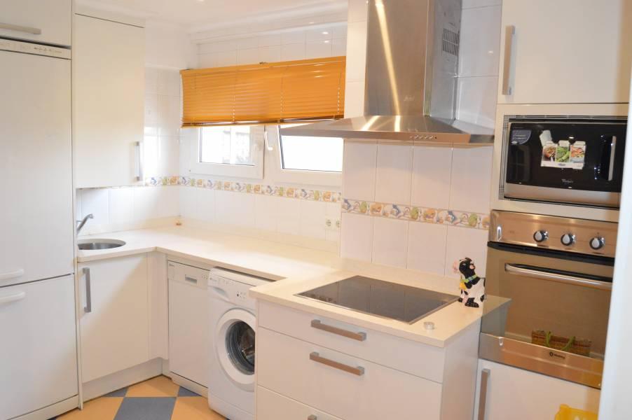Piso en alquiler en Santander  de 3 Habitaciones, 1 Baño y 85 m2 por 600€/mes.