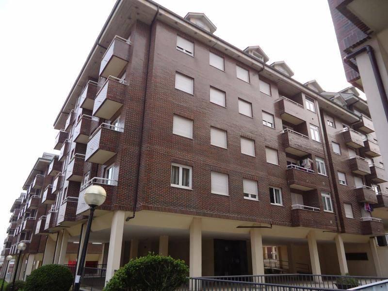 Piso en venta en Camargo  de 2 Habitaciones, 1 Baño y 75 m2 por 113.700 €.