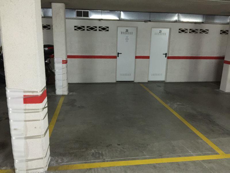 Garaje en venta en Santander  de 17 m2 por 14.400 €.