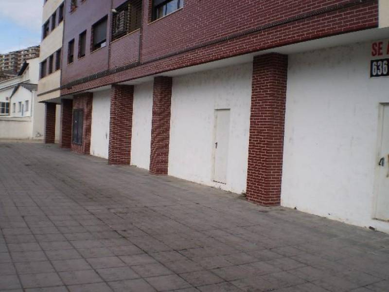 Local comercial en Torrelavega – 52421