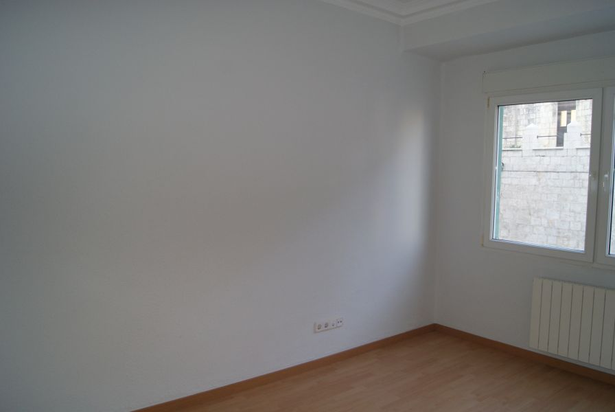 Piso en alquiler en Santander  de 4 Habitaciones, 1 Baño y 130 m2 por 900€/mes.