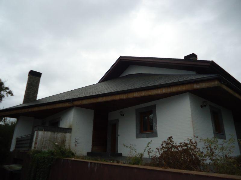 Chalet en venta en Mungia  de 6 Habitaciones, 5 Baños y 598 m<sup>2</sup> por 595.000 €.