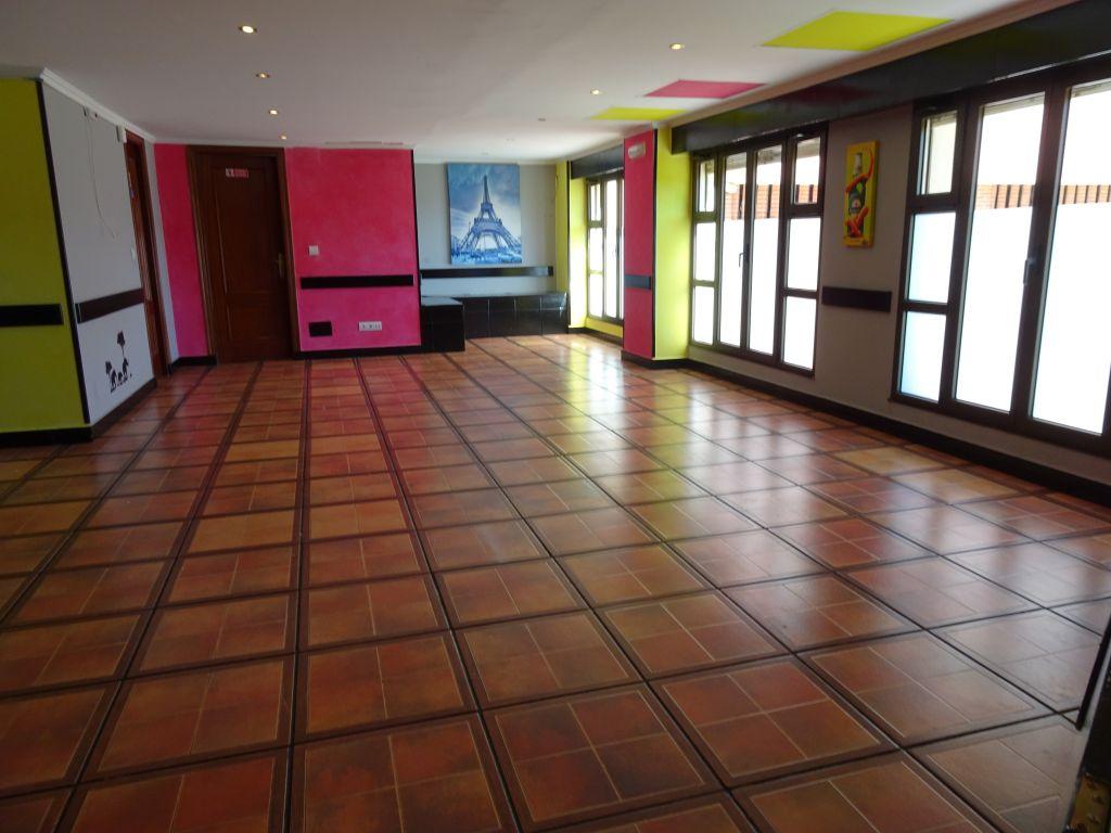 Local comercial en Torrelavega – 53960