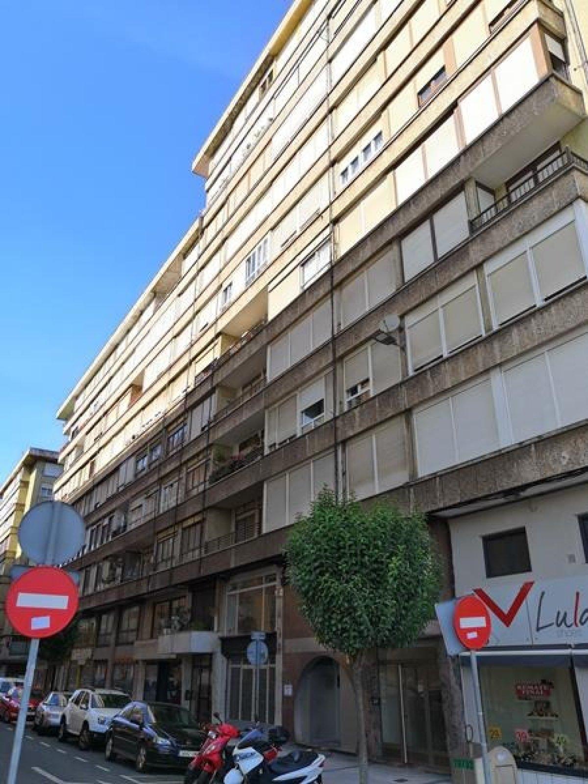 Piso en venta en Santander  de 3 Habitaciones, 1 Baño y 70 m2 por 89.000 €.