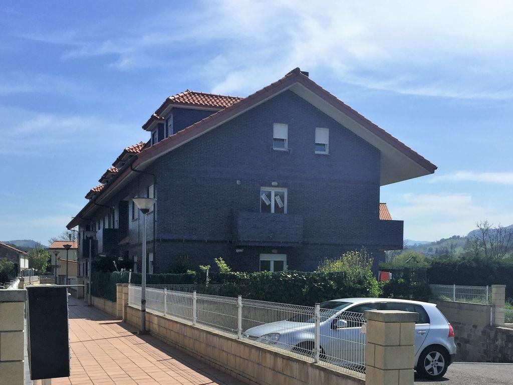 Piso en venta en Castañeda  de 2 Habitaciones, 1 Baño y 70 m2 por 52.000 €.