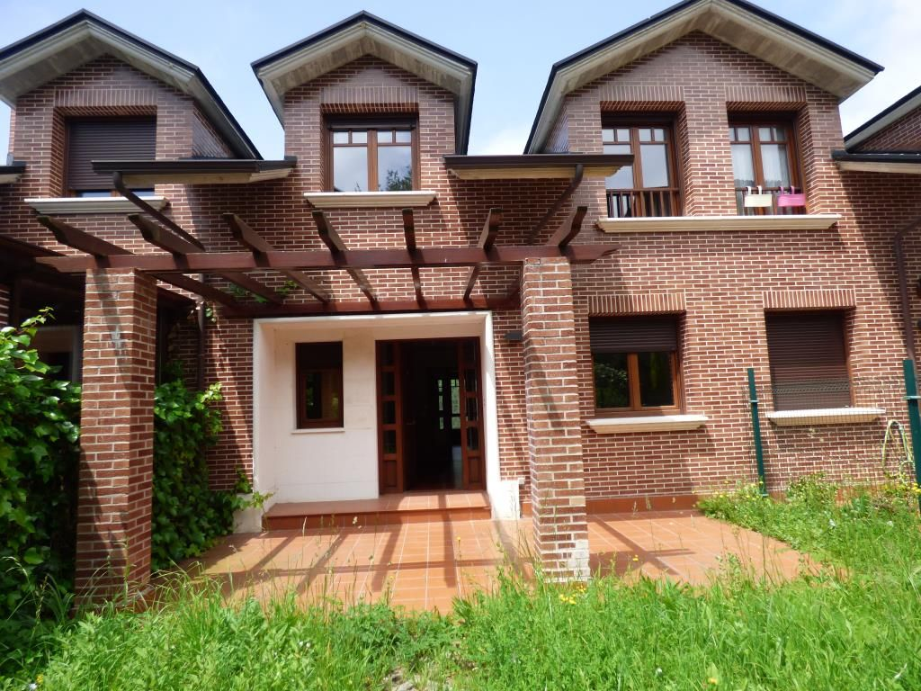 Chalet en venta en Guriezo  de 3 Habitaciones, 3 Baños y 180 m2 por 228.000 €.