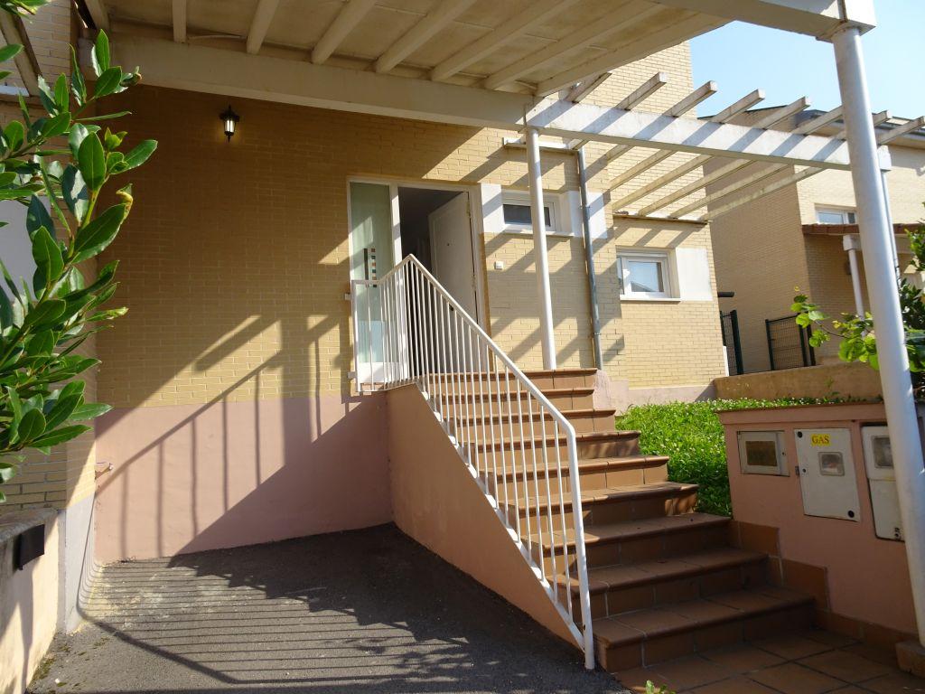 Casa en alquiler en Polanco  de 3 Habitaciones, 2 Baños y 110 m2 por 800€/mes.