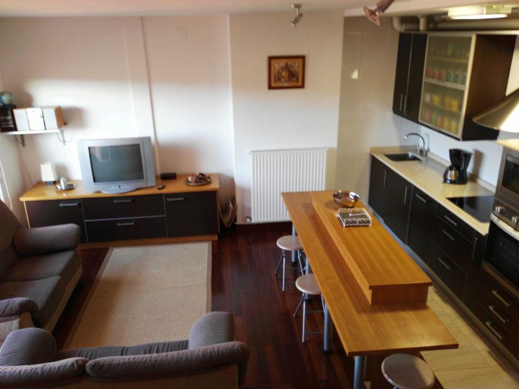 Dúplex en alquiler en Miengo  de 2 Habitaciones, 1 Baño y 75 m2 por 500€/mes.