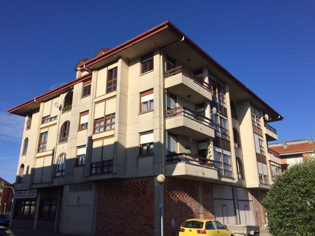 Piso en venta en Gama  de 3 Habitaciones, 2 Baños y 113 m2 por 113.500 €.