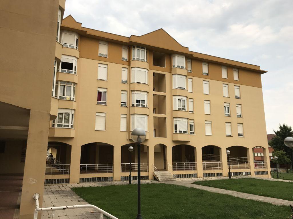 Piso en venta en MaliaÑO  de 3 Habitaciones, 1 Baño y 85 m2 por 129.000 €.