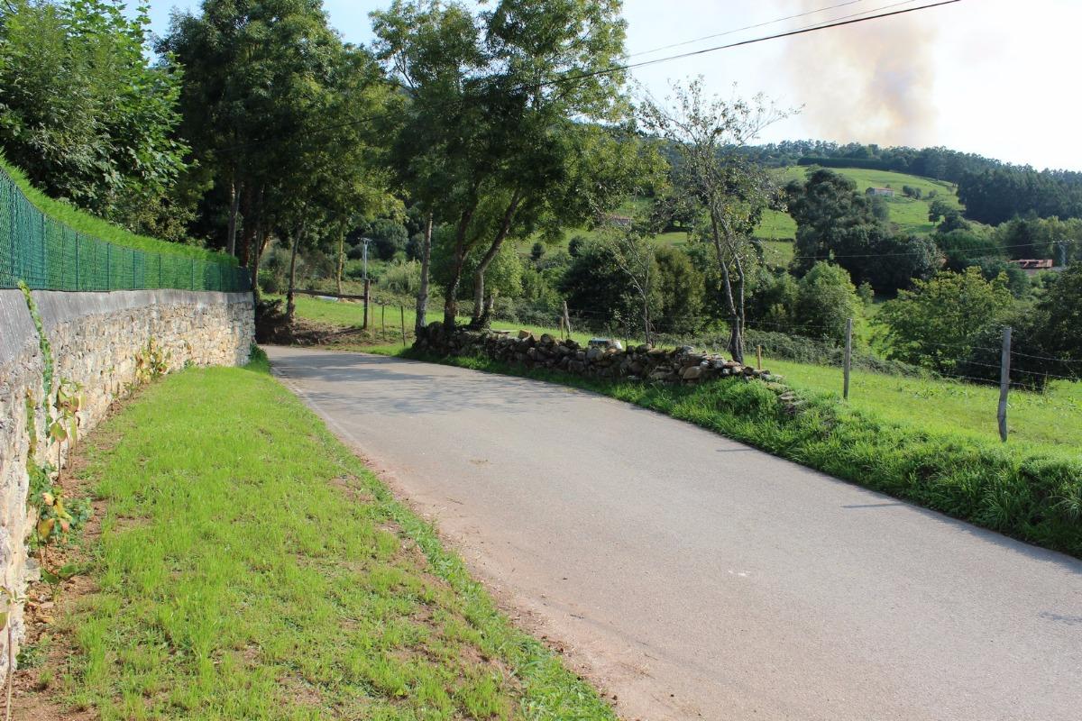 Terreno rural en venta en Villafufre  de 2.512 m2 por 29.000 €.