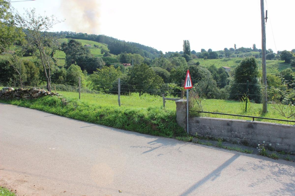 Terreno rural en venta en Villafufre  de 1.830 m2 por 24.000 €.