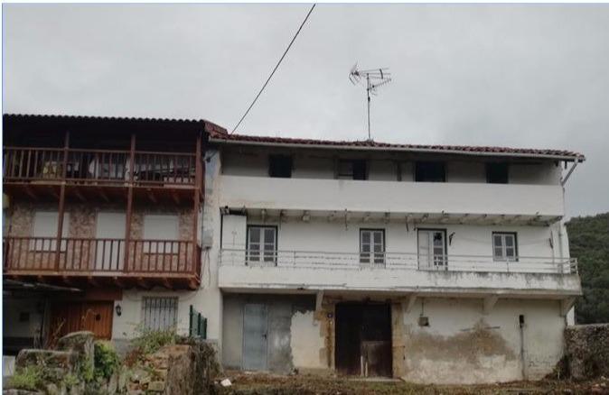 Casa en venta en Laredo  de 298 m2 por 216.150 €.