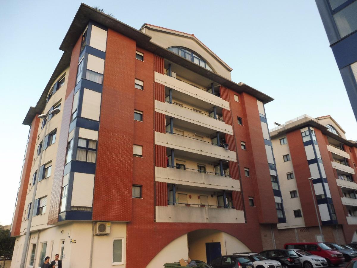 Piso en venta en Solares  de 1 Habitación, 1 Baño y 60 m2 por 135.100 €.