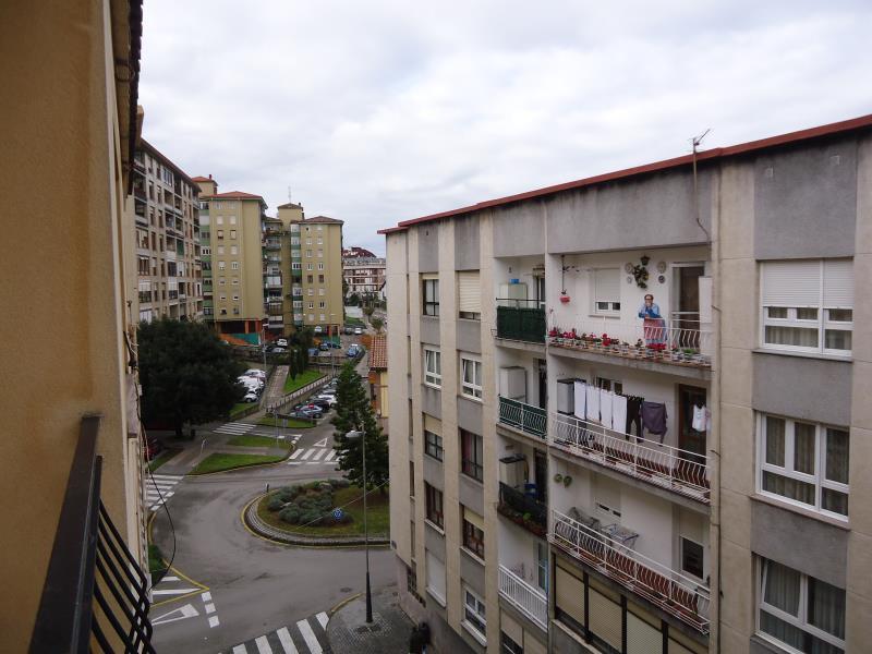 Piso en venta en El Astillero  de 3 Habitaciones, 1 Baño y 75 m2 por 57.000 €.