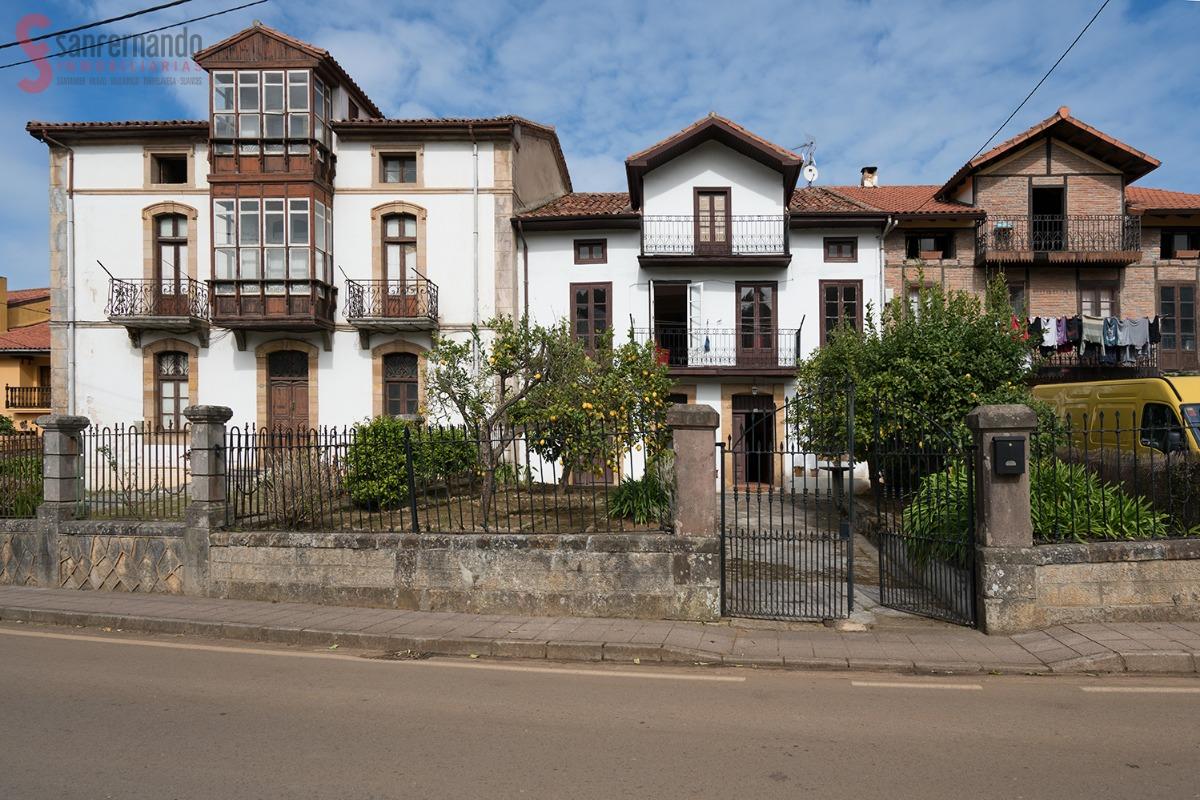 Casa en venta en Alfoz De Lloredo  de 3 Habitaciones, 2 Baños y 142 m2 por 159.000 €.