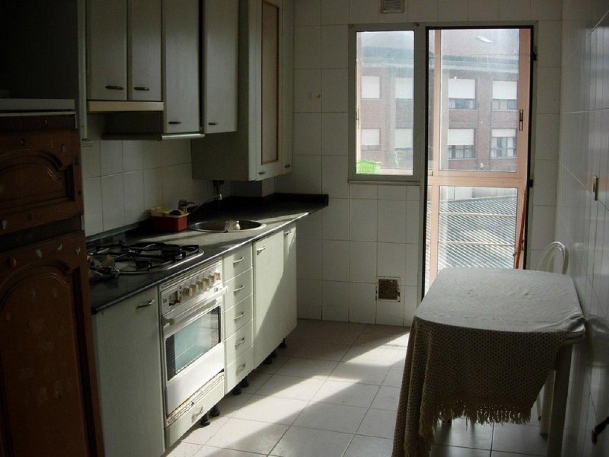 Piso en venta en Santander  de 2 Habitaciones, 2 Baños y 89 m2 por 91.000 €.