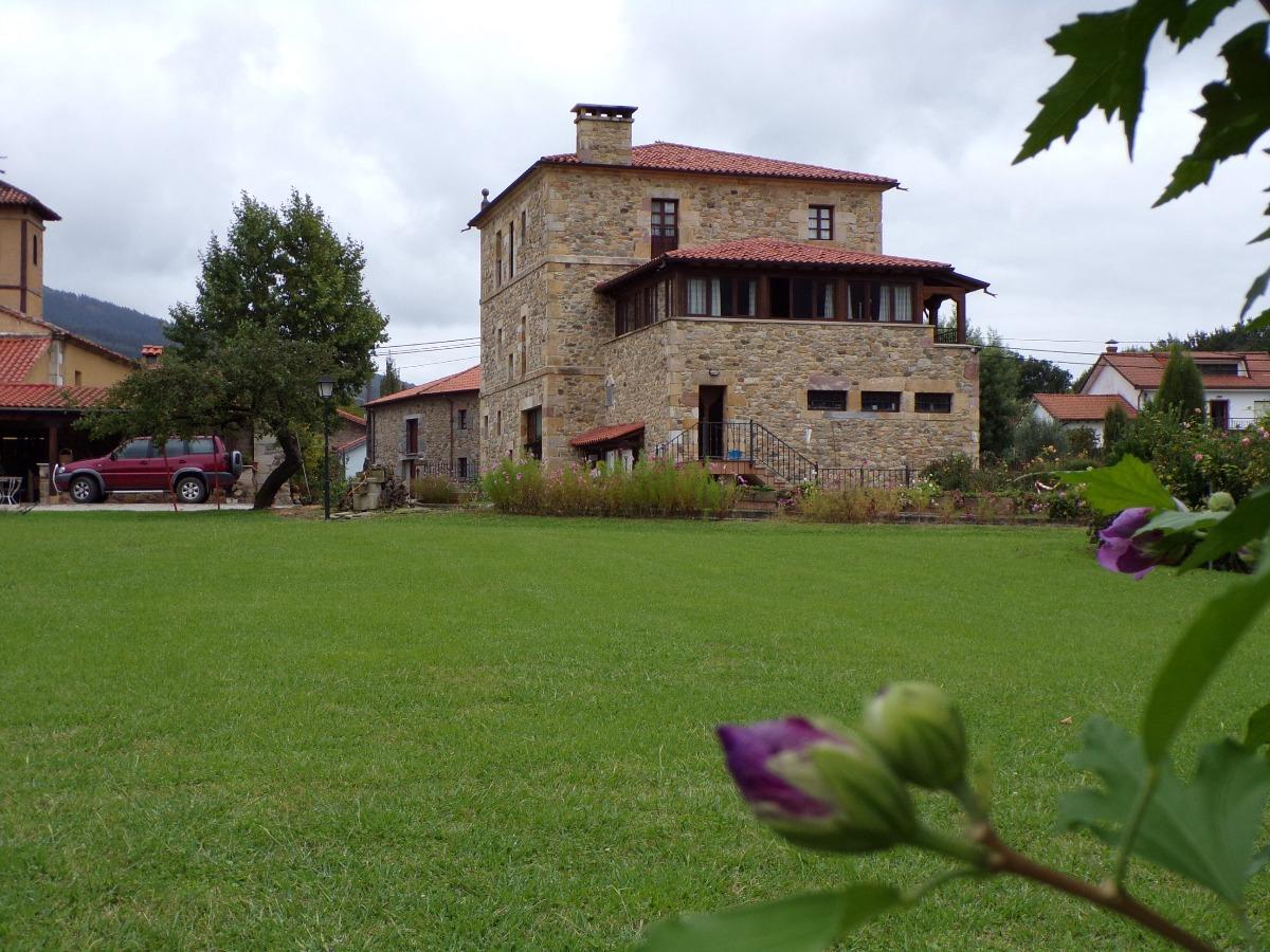 Negocio en alquiler en Soto Iruz  de 7 Baños y 529 m2 por 4.500€/mes.