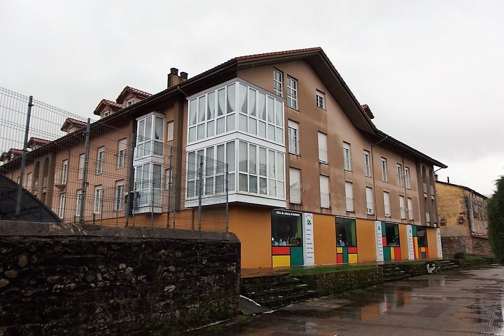 Atico en venta en Cabezon De La Sal  de 3 Habitaciones, 2 Baños y 79 m2 por 82.000 €.