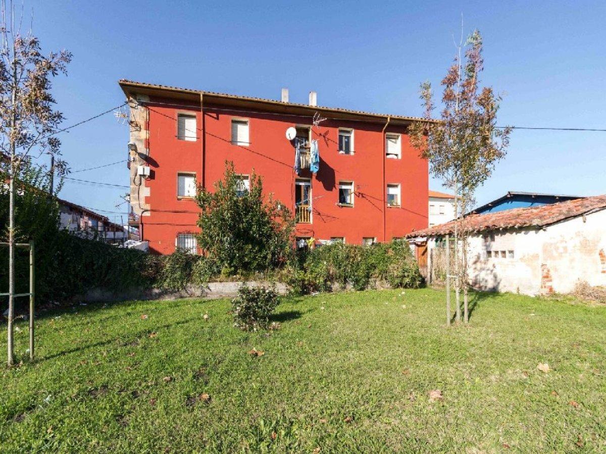 Piso en venta en Torrelavega  de 1 Habitación, 1 Baño y 40 m2 por 44.800 €.
