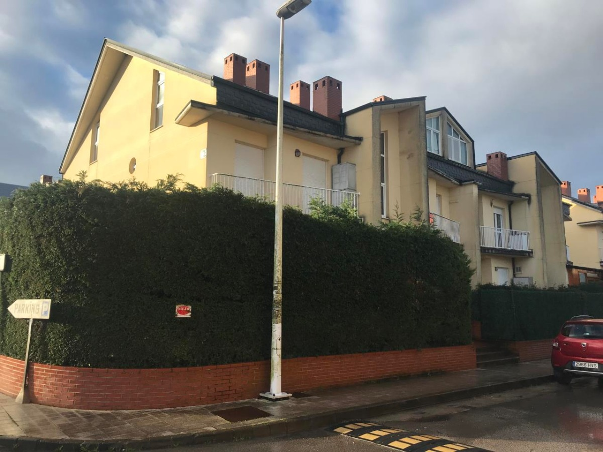 Duplex en venta en Reocin  de 3 Habitaciones, 2 Baños y 117 m2 por 129.900 €.