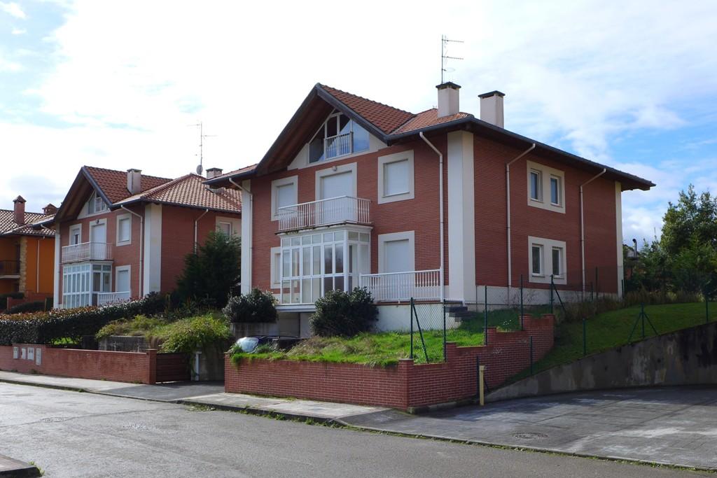 Casa en venta en Comillas  de 7 Habitaciones, 7 Baños y 492 m2 por 535.000 €.