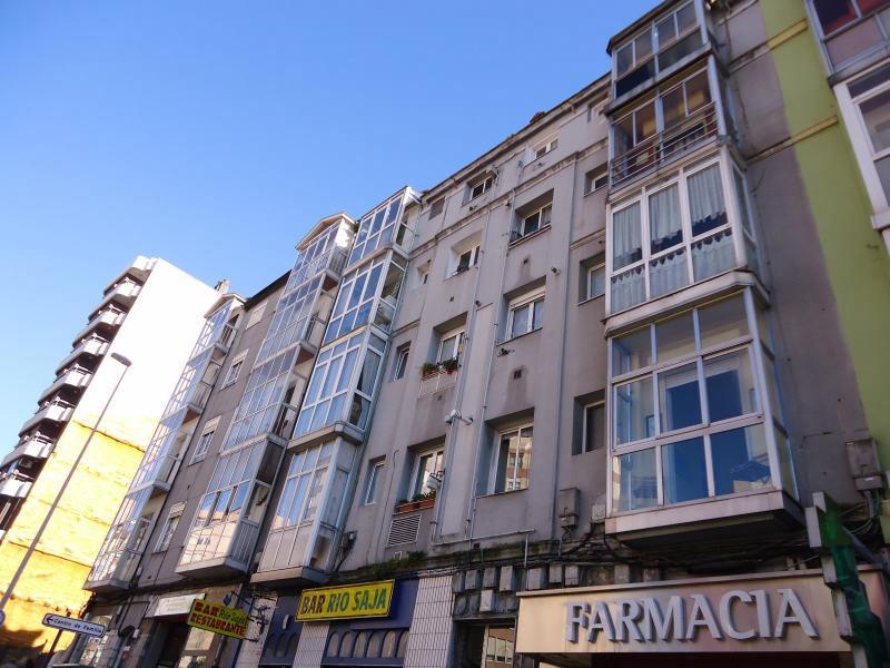 Piso en venta en Santander  de 2 Habitaciones, 1 Baño y 67 m2 por 101.500 €.