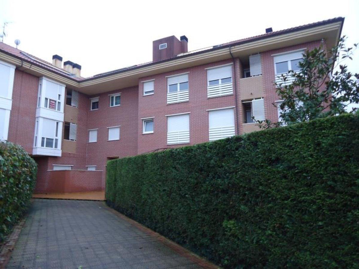 Planta baja en venta en Barcena De Cicero  de 2 Habitaciones, 2 Baños y 84 m<sup>2</sup> por 125.400 €.